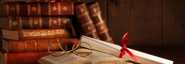 Il coniuge  ha diritto alla pensione di reversibilità dell'altro, anche se il decesso avviene in corso di causa  per la determinazione dell'ammontare dell'assegno divorzile